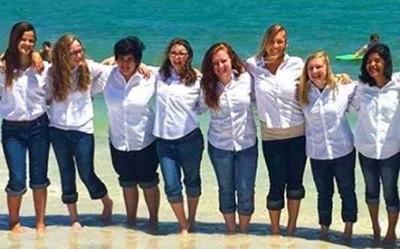 girls-at-lakeland